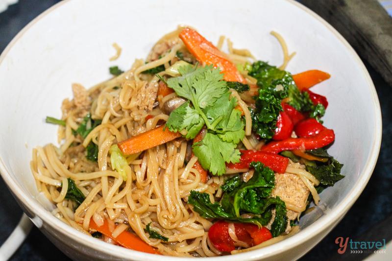 Garlic Tofu Noodles Tofu And Vegetable Noodle Stir